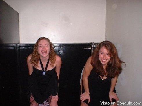 chicas-borrachas-orinando-10