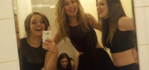 Selfie aux chiottes avec ta copine qui fait caca